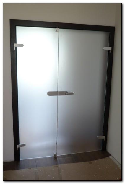 Dvojkrídlové presklenene dvere