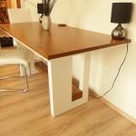 Jedálenský stol lesk a dub